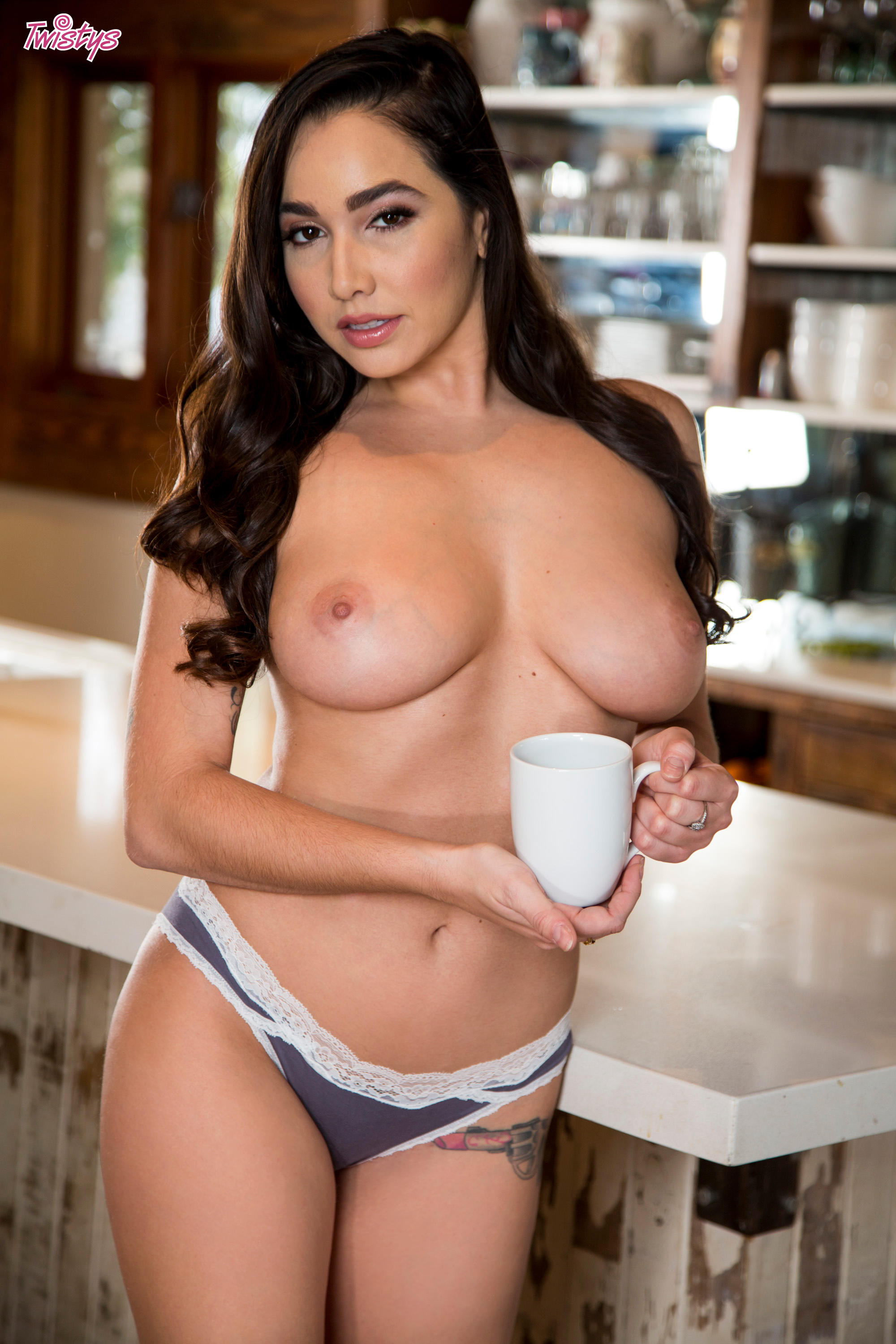 Karlee Grey - What's Goin' on in the Kitchen | Picture (50)